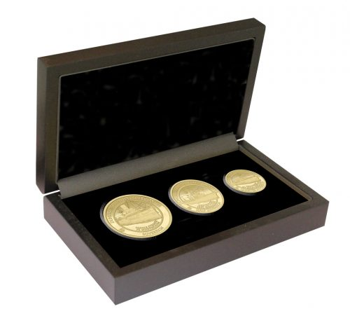 The 2020 Dunkirk 80th Anniversary Gold Prestige Sovereign Set in its presentation box